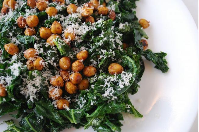 Kale & Crispy Chickpeas