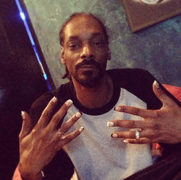 snoop dogg french tips