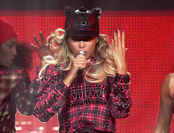 beyonce-mrs-carter-givenchy