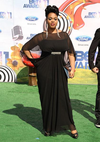 Jill Scott walks the red carpet at the 2011 BET Awards