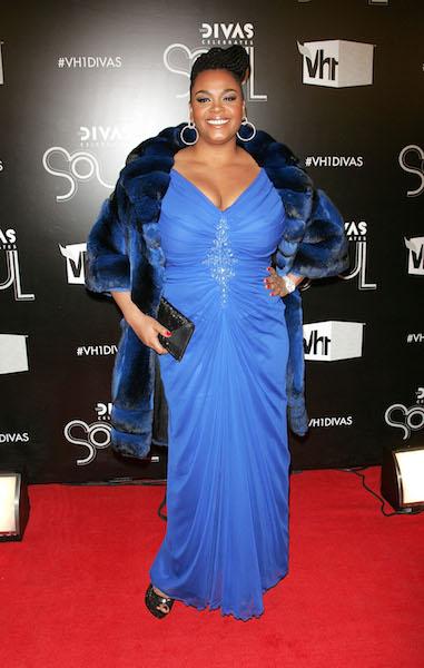 Jill Scott walks the red carpet at 2011 VH1 Divas Celebrates Soul