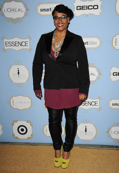 Jill Scott walks the red carpet at the 6th Annual ESSENCE Black Women In Hollywood Awards Luncheon