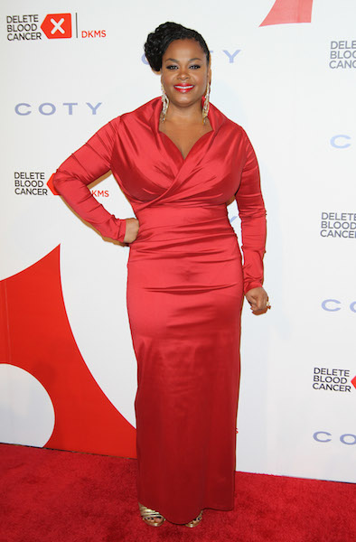 Jill Scott walks the red carpet at the 2013 Delete Blood Cancer Gala