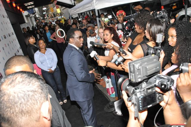 Diddy Works The Red Carpet
