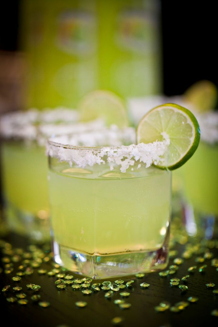 Slim & Sparkling Margarita