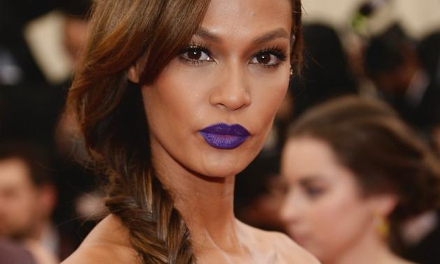 joan smalls met gala purple lipstick
