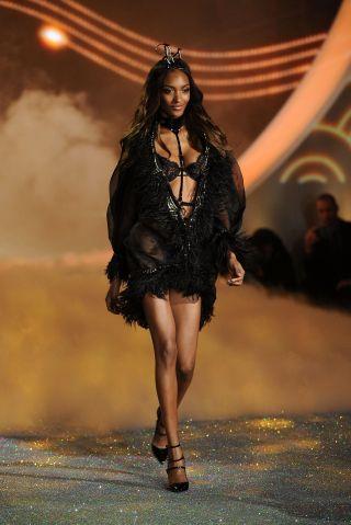 Swarovski Sparkles In The 2013 Victoria's Secret Fashion Show