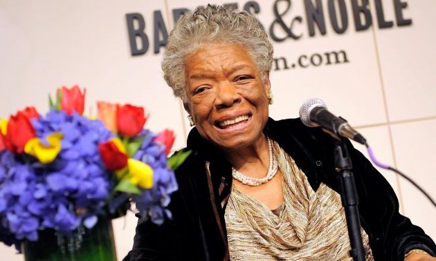 Maya Angelou Signs Copies Of 'Maya Angelou: Letter to My Daughter' - October 30, 2008