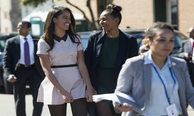 Malia & Sasha Obama