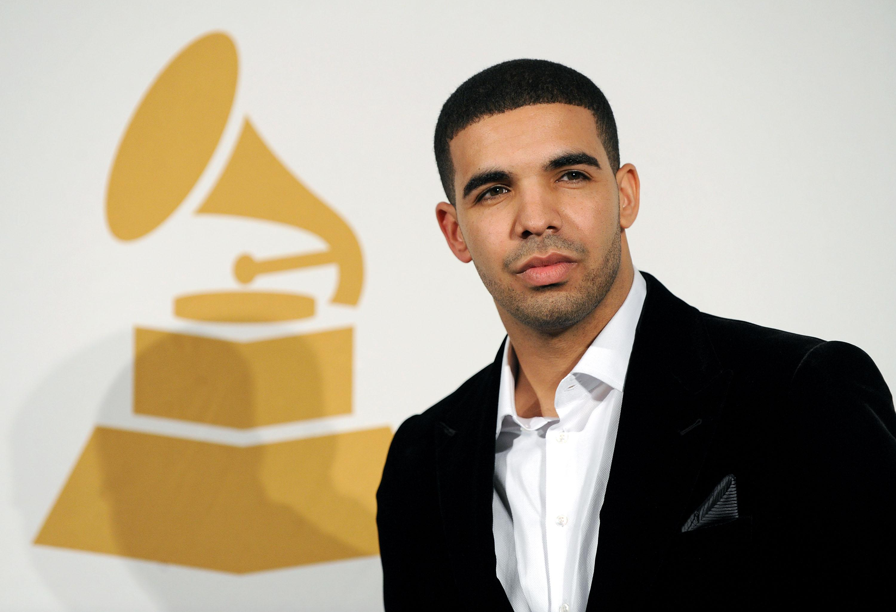 Drake Talks Being Biracial: 'I Don't Even Notice Color'