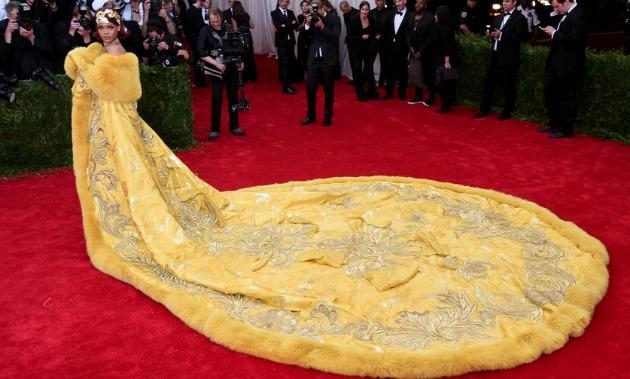 Rihanna Met Gala