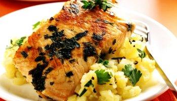Salmon fillet on herb & potato mash