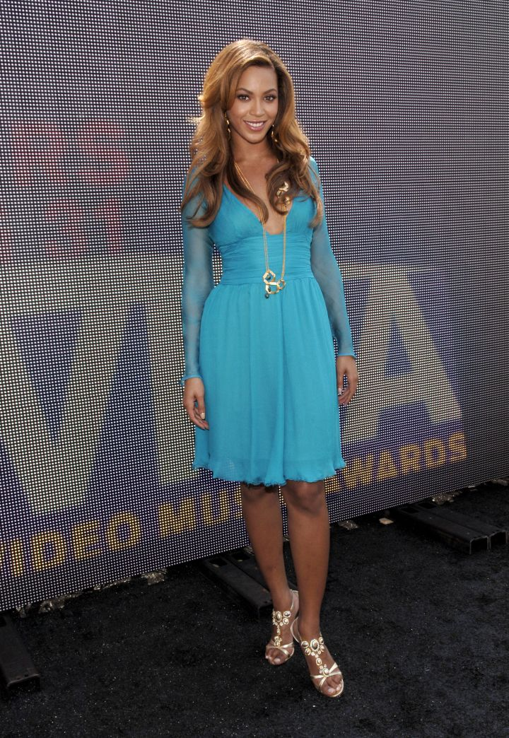THEN: Bey Hits The 2006 MTV VMA Nominations Ceremony
