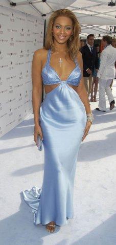 Beyonce In Blue Dress