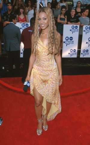 Beyonce In Ugly Dress