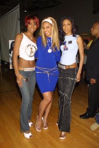Destiny's Child & Jenny McCarthy at Candie's Foundation Event, 2001