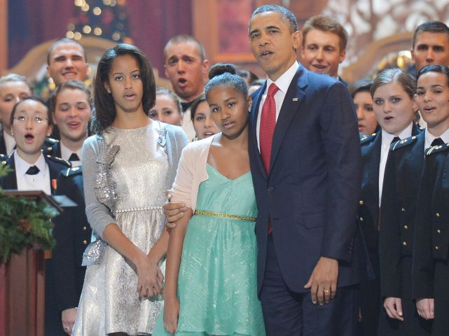 US-POLITICS-CHRISTMAS-OBAMA