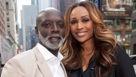 Cynthia Bailey Visits 'Extra'