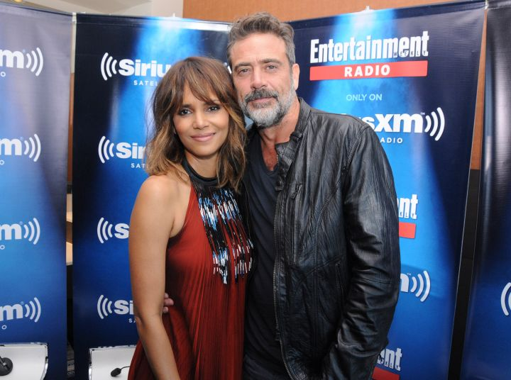 Halle Berry & Jeffrey Dean Morgan Pose For A Photo At SiriusXM