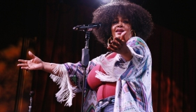 Jill Scott WOMAN Album Preview & Live Performance