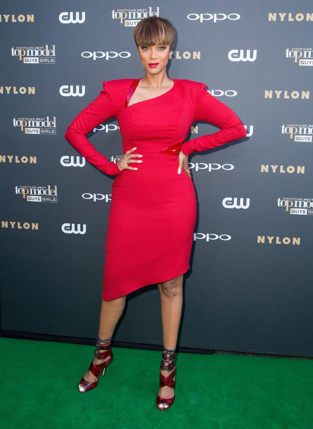How Tall Is Tyra Banks?