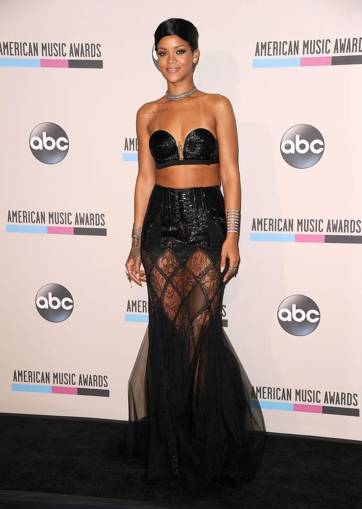 Rihanna at the 2013 American Music Awards