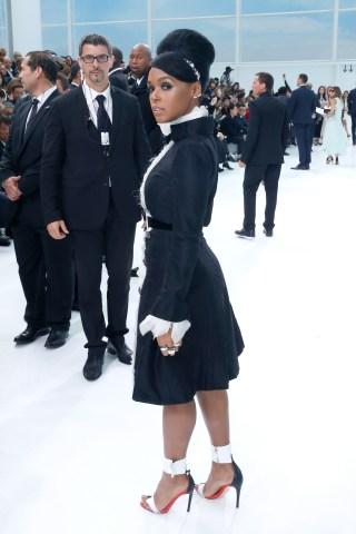 Chanel : Front Row - Paris Fashion Week Womenswear Spring/Summer 2016