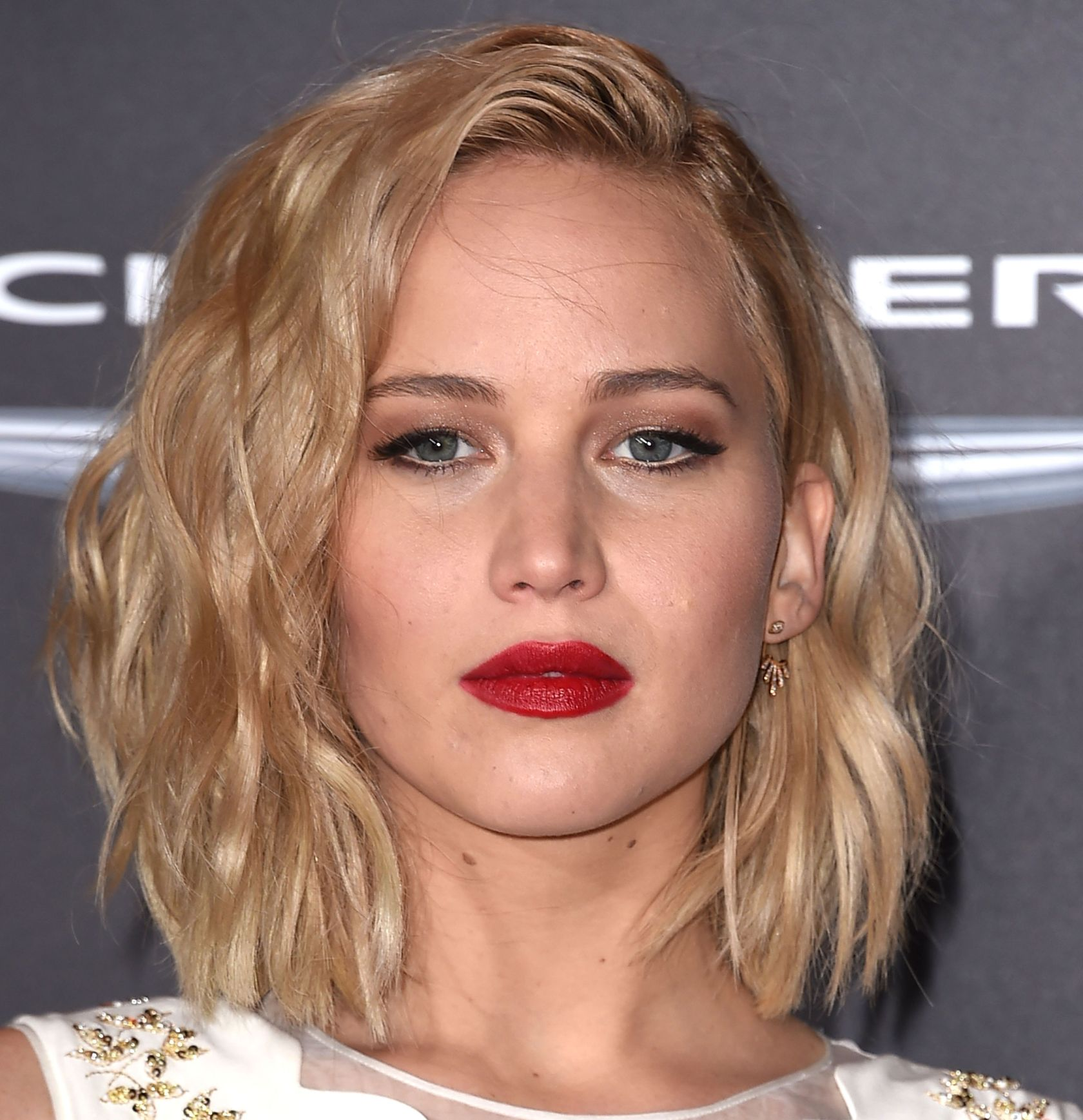 Premiere Of Lionsgate's 'The Hunger Games: Mockingjay - Part 2' - Arrivals