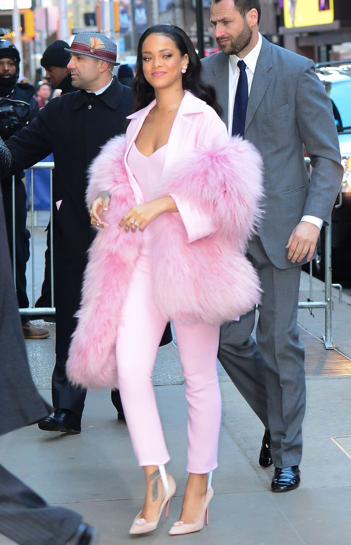 Rihanna Pretty In Pink