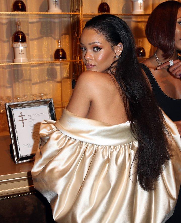 Rihanna Plays Peek-A-Boo