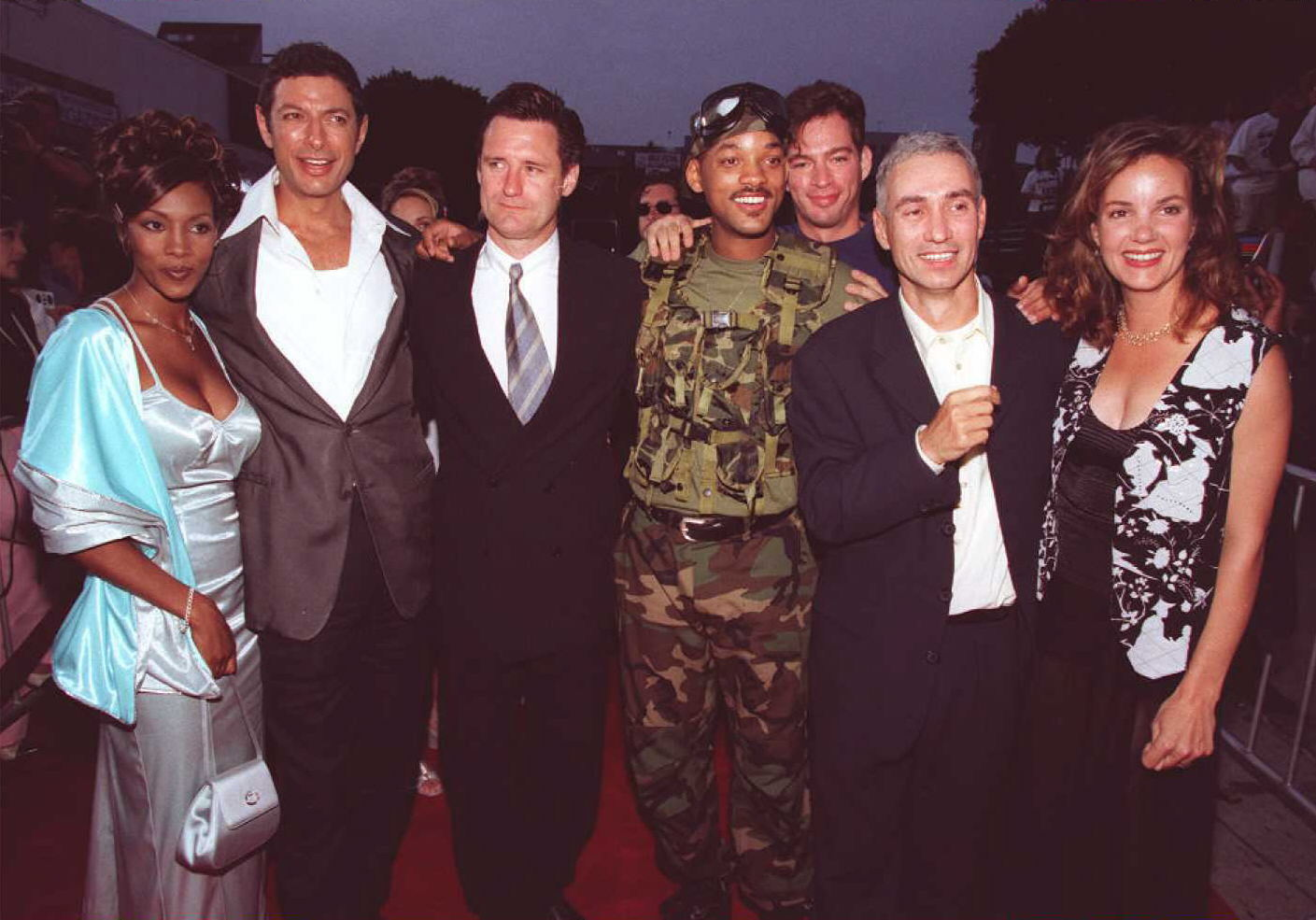 The cast and director of the movie 'Independence D