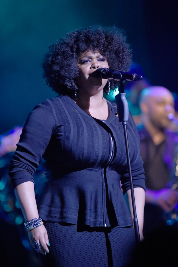 Jill Scott Performing
