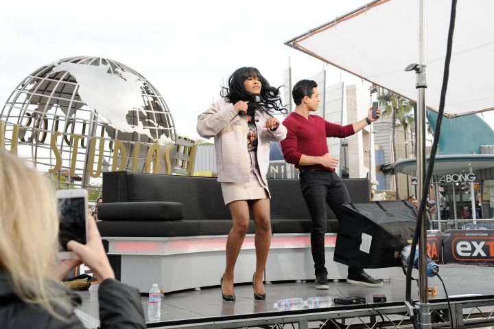 Keke Palmer, Daniel Gillies And Earth, Wind And Fire On 'Extra'