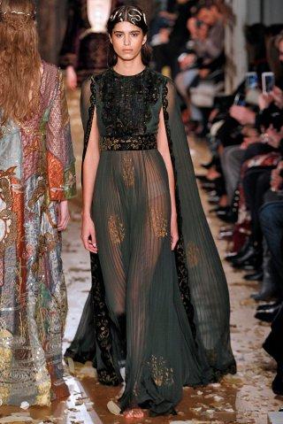 Valentino : Runway - Paris Fashion Week - Haute Couture Spring Summer 2016