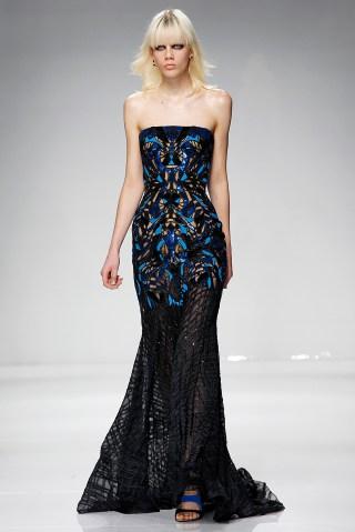 Versace : Runway - Paris Fashion Week - Haute Couture Spring Summer 2016