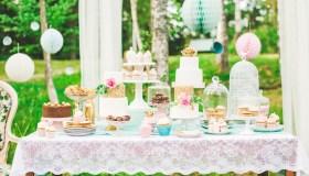 Prettiest wedding dessert table