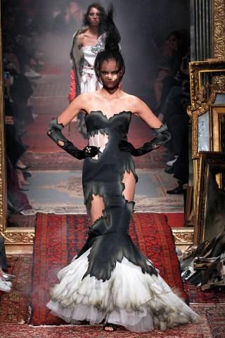 Moschino - Runway - Milan Fashion Week FW16