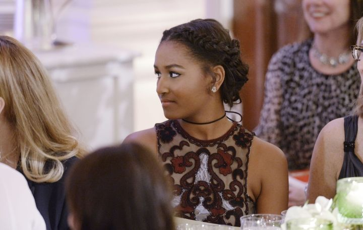 Sasha Obama Serving In Naeem Khan Resort 2016 collection