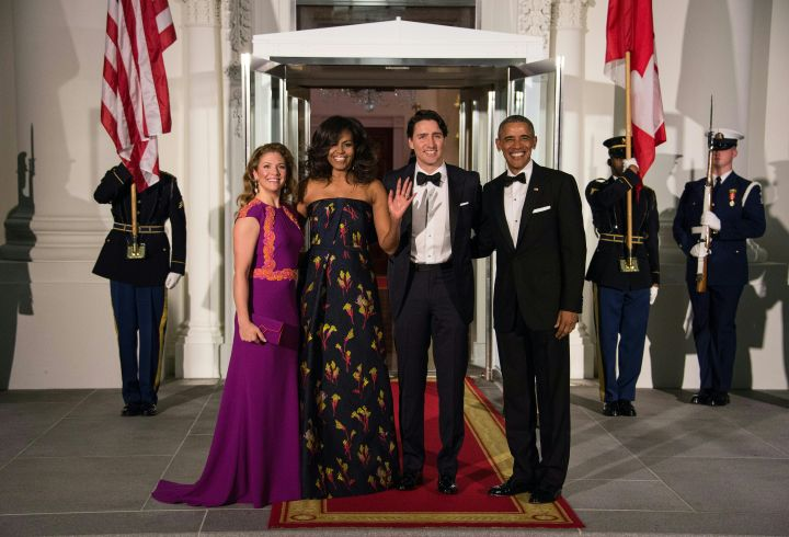 Barack & Michelle Obama posing with the Canadian Prime Minister Justin Trudeau, Sophie Gregoire Trudeau