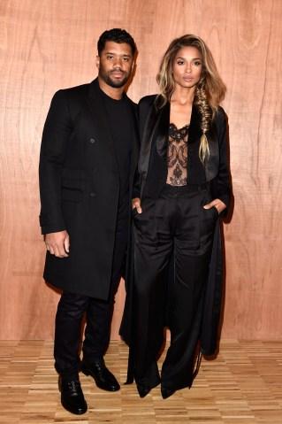 Givenchy : Front Row - Paris Fashion Week Womenswear Fall/Winter 2016/2017