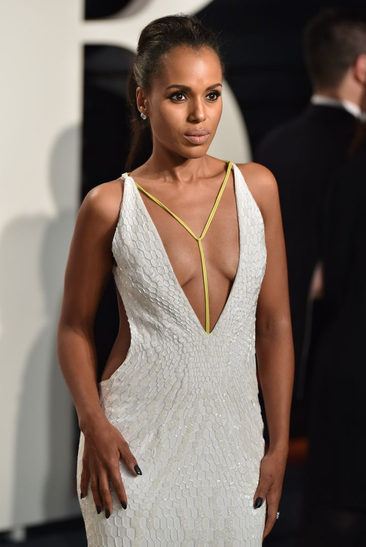 Kerry Washington attends the 2016 Vanity Fair Oscar Party Hosted By Graydon Carter