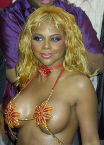 Lil' Kim arriving at the 2001 MTV Movie Awards in LA 6/2/01