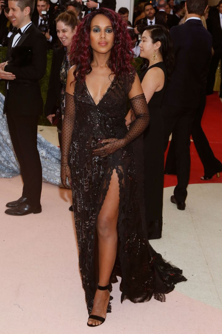 Kerry Washington attends the 'Manus x Machina: Fashion In An Age Of Technology' Costume Institute Gala