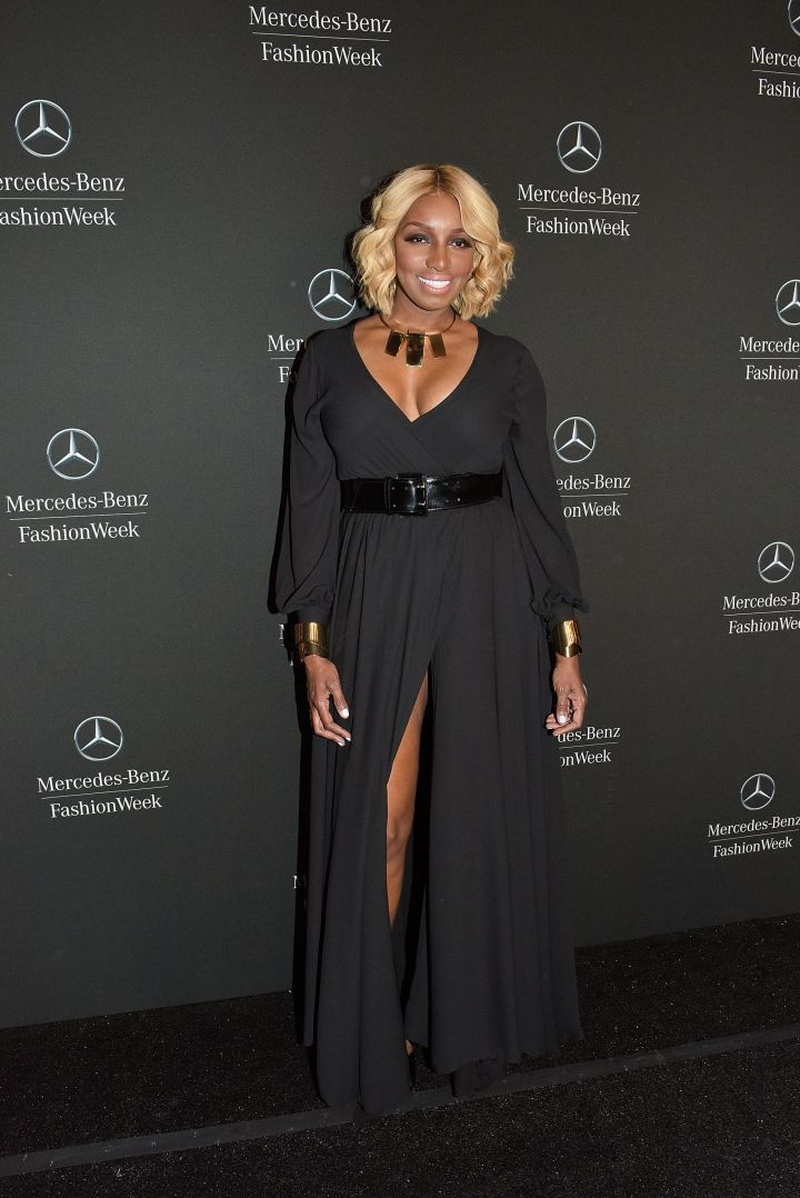 NeNe shows off a daring split at NYFW in 2015.