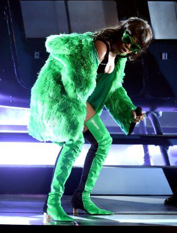 2015 iHeartRadio Music Awards On NBC - Show