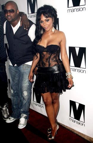 Lil' Kim Birthday Celebration at Mansion - Arrival