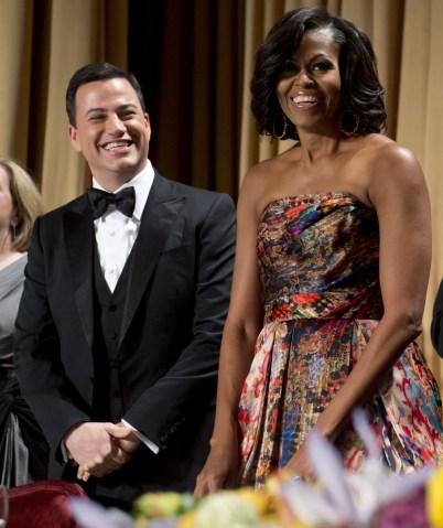 Television host Jimmy Kimmel (L) alongsi