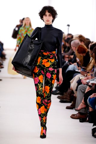 Balenciaga : Runway - Paris Fashion Week Womenswear Spring/Summer 2017