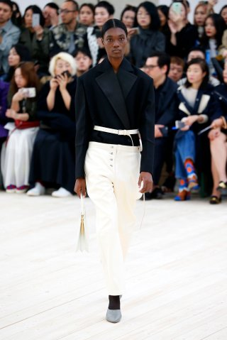 Celine : Runway - Paris Fashion Week Womenswear Spring/Summer 2017