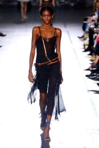 John Galliano : Runway - Paris Fashion Week Womenswear Spring/Summer 2017